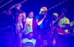 Onze (11) groupes musicaux et un DJ ont animé le parcours du premier jour gras du carnaval national à Port-de-Paix le dimanche 14 février 2021.